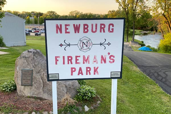 <h4>Fireman's Park</h4><p><strong>719 Steepleview Rd, Newburg, WI</strong></p><p>Private Park sponsored by Newburg Fire Department<br>Baseball Field<br>Playground<br>Fishing</p>