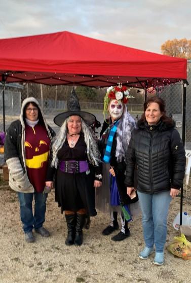 Halloween - Volunteers Deb Jenny Lynn Sandy - Oct 2020